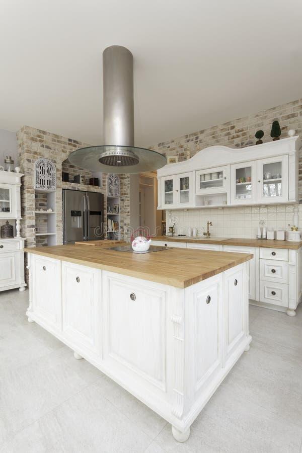 Download 托斯卡纳-厨房 库存图片. 图片 包括有 设计, 龙头, 当代, 现代, 户内, browne, 减速火箭 - 30327501