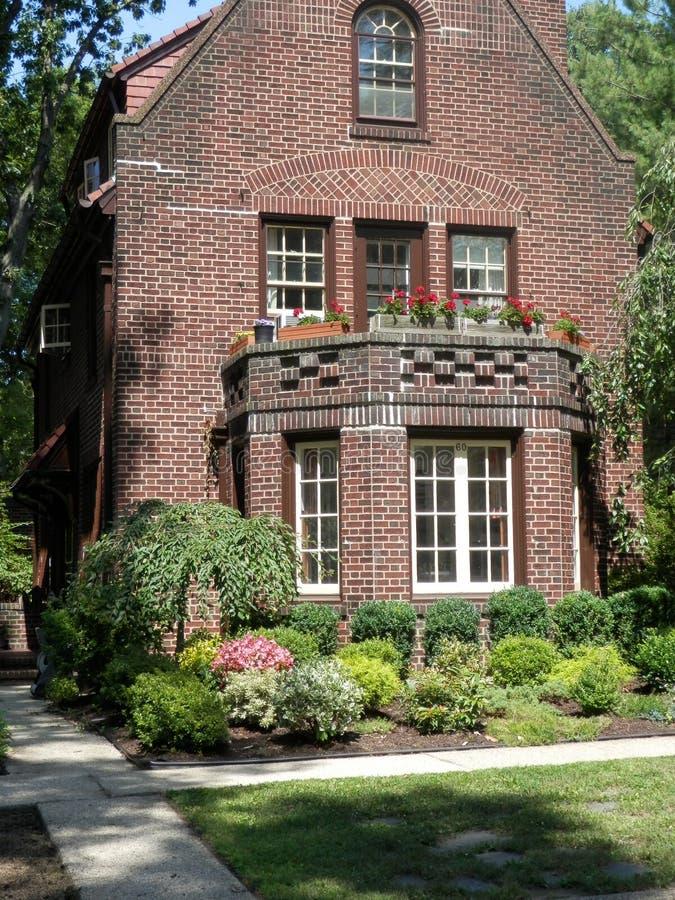 托特样式砖家在Forest Hills, N Y 库存图片