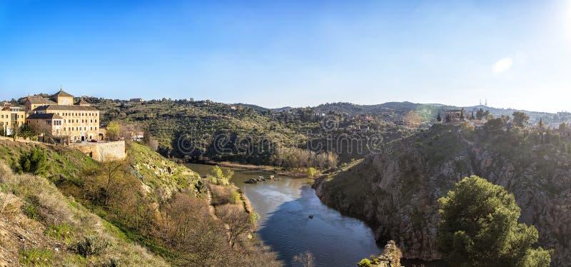 托莱多全景有河的Tajo,西班牙 免版税库存图片