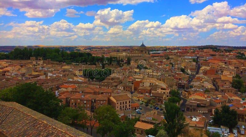 托莱多,西班牙-从城堡的看法镇  库存图片