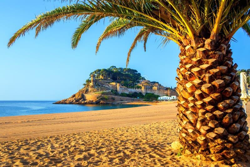 托萨德马尔,布拉瓦海岸的,西班牙一普遍的度假胜地 免版税图库摄影