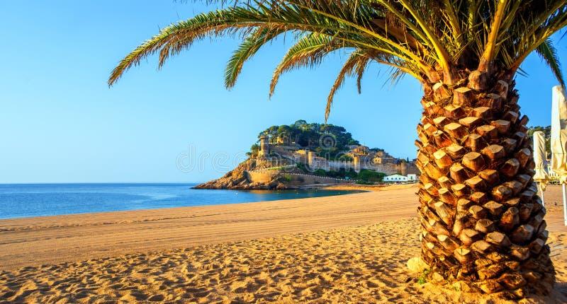 托萨德马尔,布拉瓦海岸的,西班牙一普遍的度假胜地 免版税库存照片