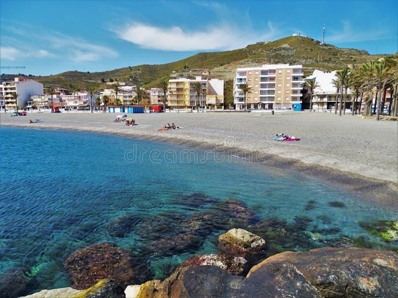 托雷努埃瓦en莫特里尔格拉纳达安大路西亚西班牙海滩  免版税库存照片