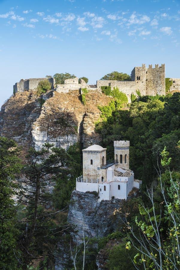 托雷塔Pepoli和Venere在埃里切,西西里岛,意大利防御 库存图片