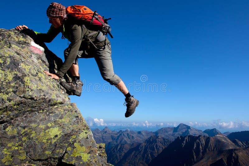 扣人心弦的登山 免版税库存图片
