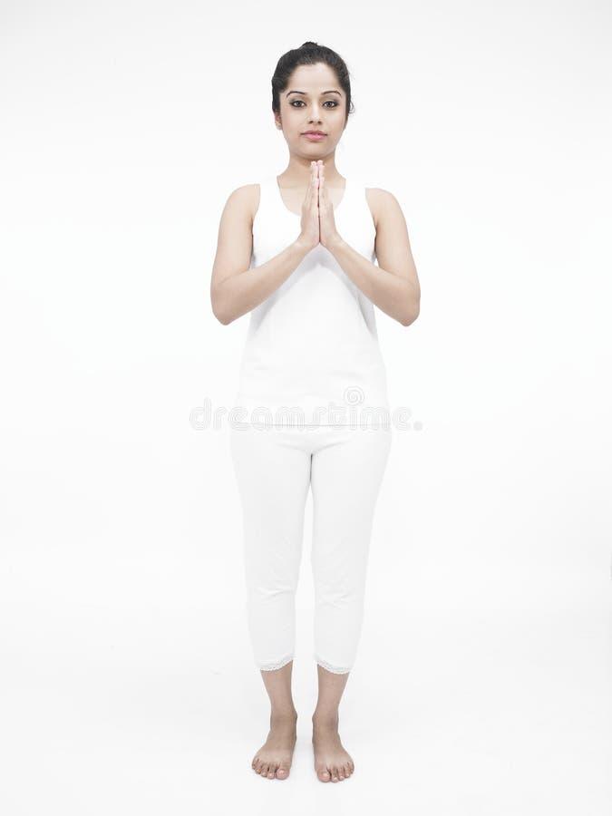 执行执行女子瑜伽 库存照片