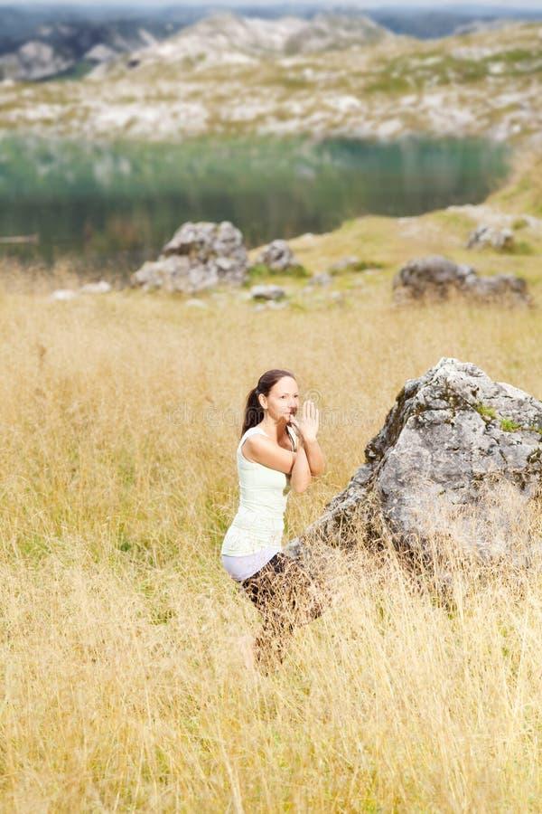 执行本质女子瑜伽 库存照片