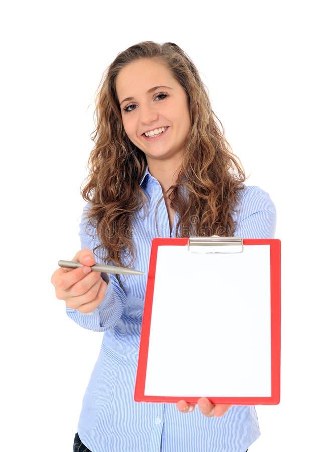执行调查的可爱的女孩 免版税库存图片