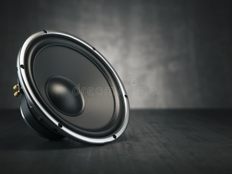 扩音器 在黑backgro的多媒体音响合理的报告人 库存例证