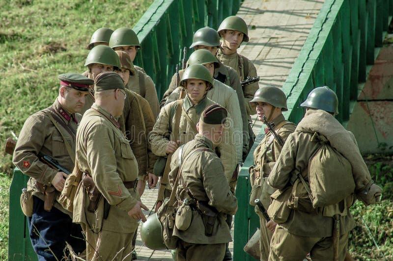 扮演- 1941年世界大战争斗的重建2在俄罗斯的卡卢加州地区 免版税库存图片