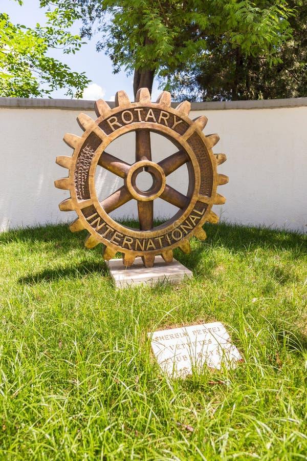 扶轮社纪念碑在中心地拉纳,阿尔巴尼亚 免版税图库摄影