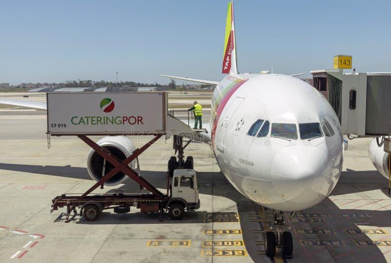 承办的卡车和喷气式客机 免版税库存图片