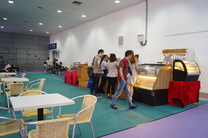 承办酒席服务在深圳大会和会展中心,中国中 图库摄影