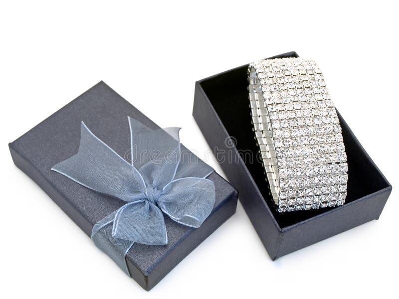 把礼品珠宝装箱 免版税图库摄影