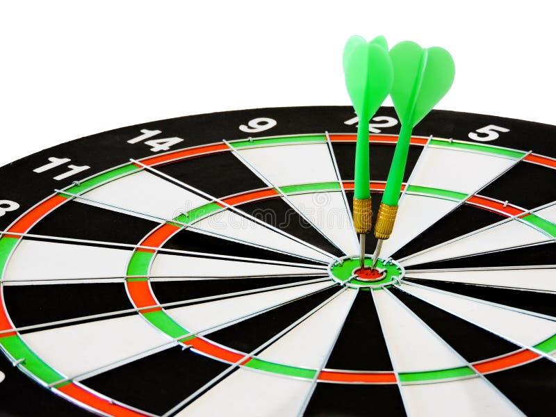 投掷击中在掷镖的圆靶的目标中心的箭头 击中目标目标目标成就概念背景的成功 箭和da 库存图片