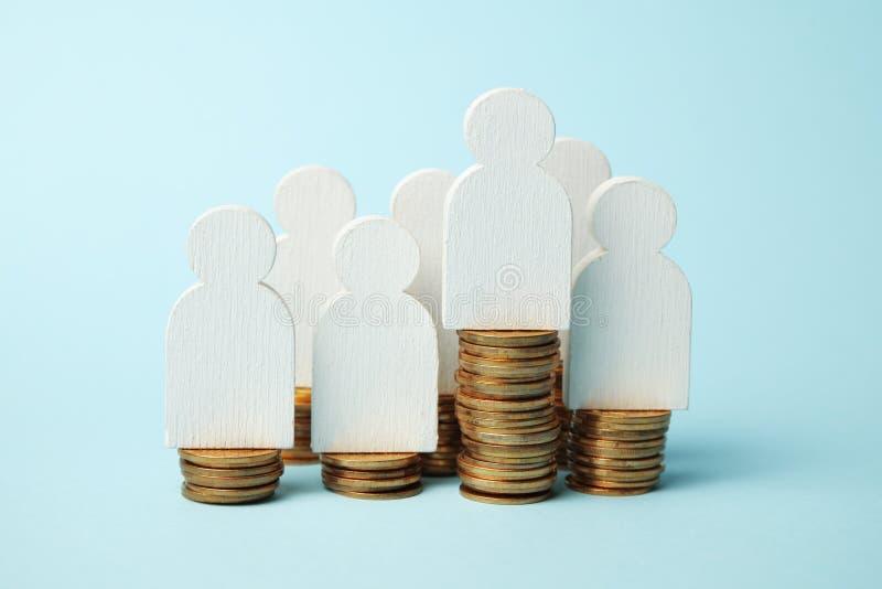 投资在退休金,现款支付 保存现金 成长退休 库存图片