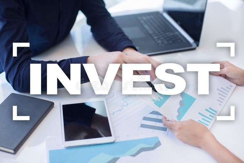 投资的回收投资 概念性财务增长图象查出的白色 技术和企业概念 库存图片