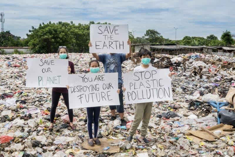抗议人的对塑料的用途 库存照片