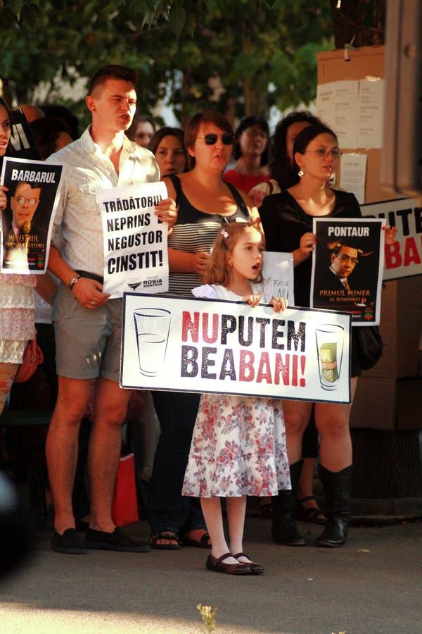 抗议在反对开掘在罗希亚蒙塔讷的氰化物金子的奥拉迪亚市在罗马尼亚 免版税库存图片