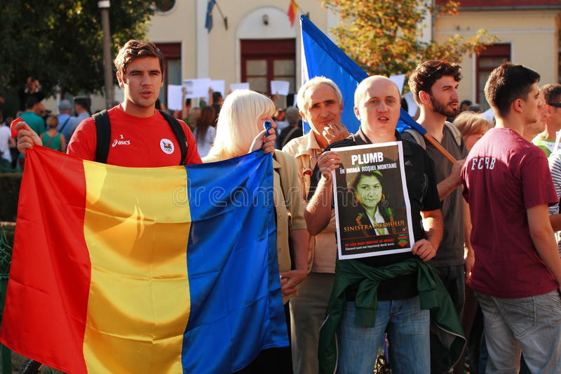 抗议在反对开掘在罗希亚蒙塔讷的氰化物金子的奥拉迪亚市在罗马尼亚 库存照片