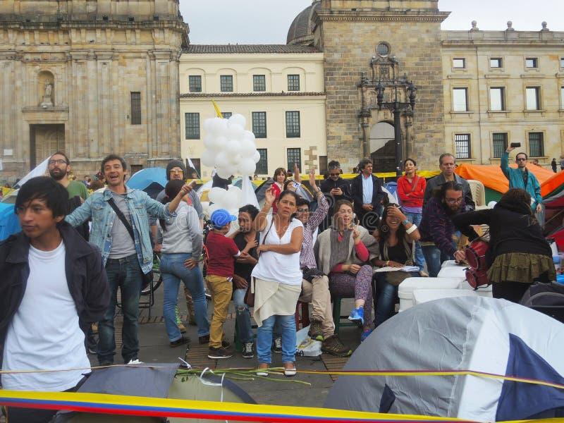 抗议的暴力的受害者和学生在波哥大,哥伦比亚 免版税库存照片