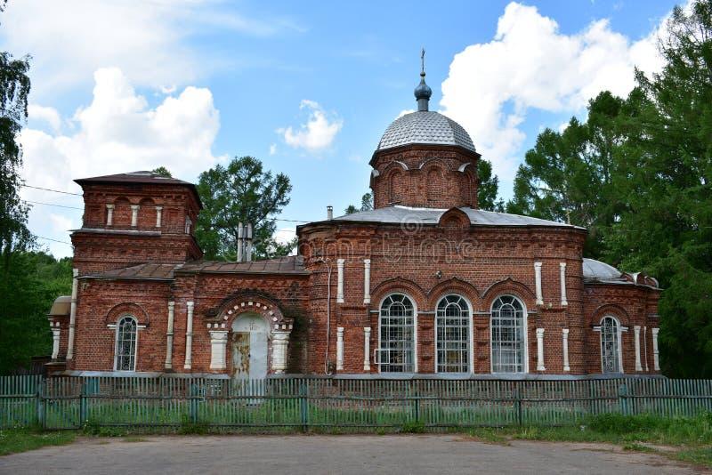 折衷样式的砖教会,在1911-1916建立与船东Bogomolovym属于ukrainiski社区 库存图片