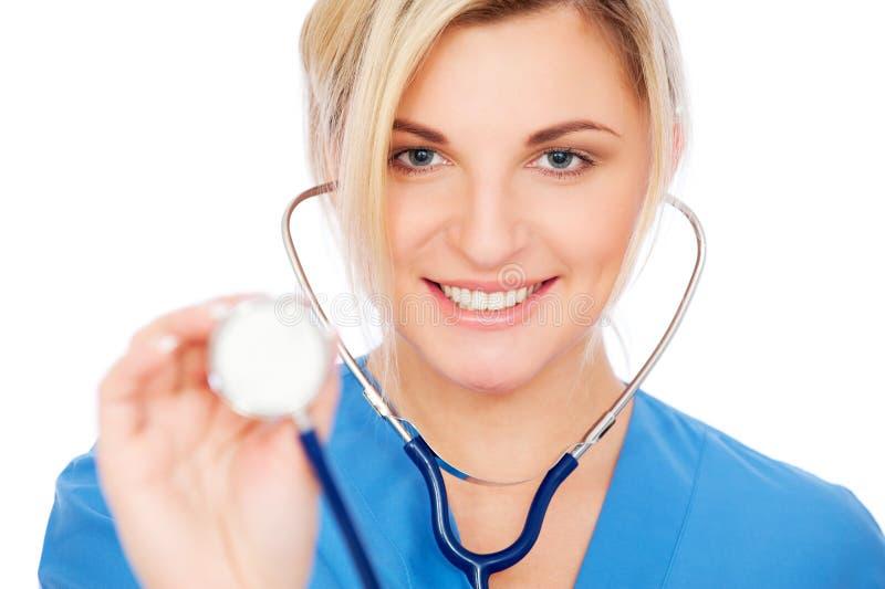 护士面带笑容听诊器 免版税库存图片