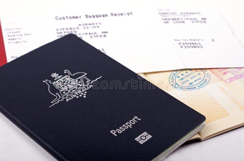 护照和行李收据 库存照片