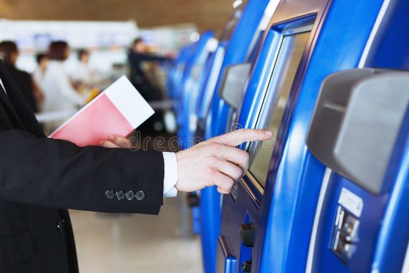 报到在机场 免版税库存图片