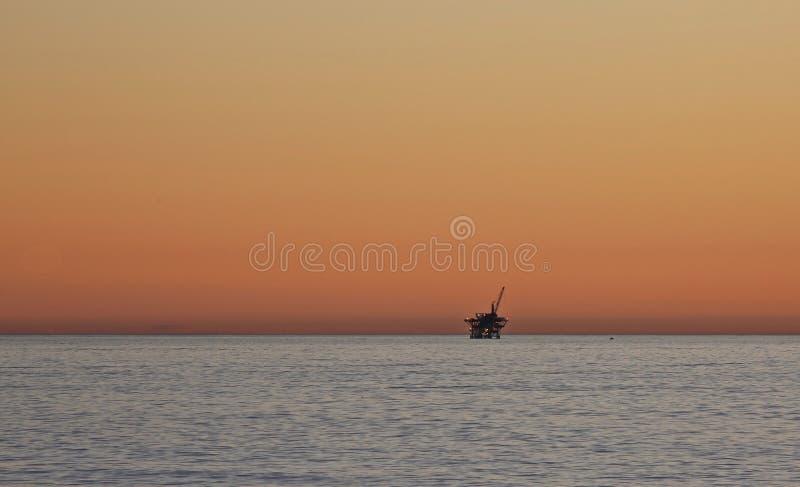 抽油装置太平洋 库存照片