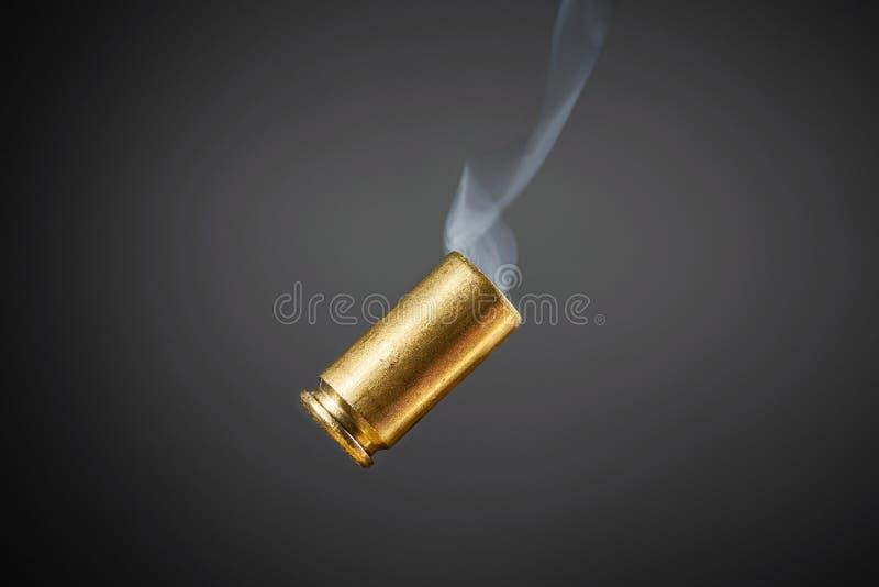 抽烟的子弹框 免版税图库摄影