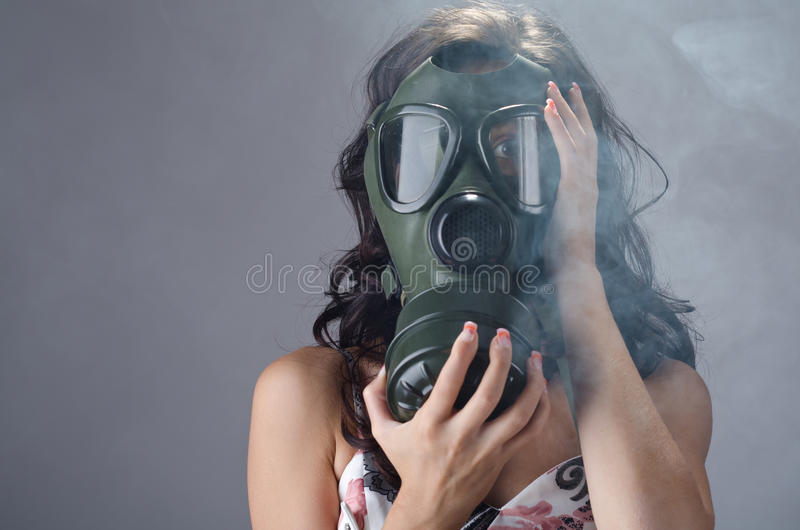 Download 抽烟的终止 库存照片. 图片 包括有 补白, 屏蔽, 安全性, 安全, 白种人, 含毒物, 防护, 保护 - 22353706