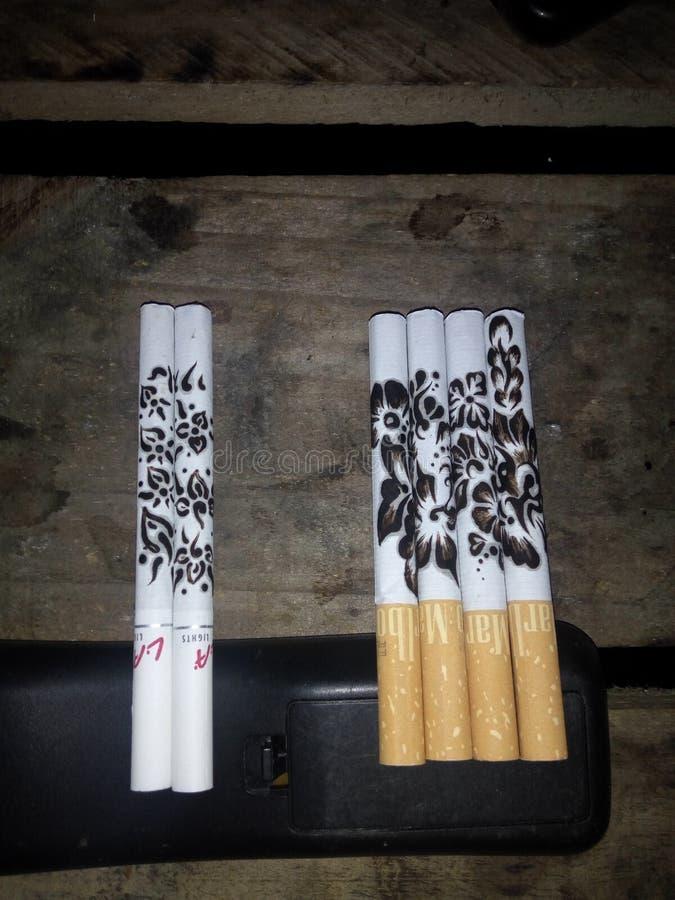 抽烟的艺术 库存图片