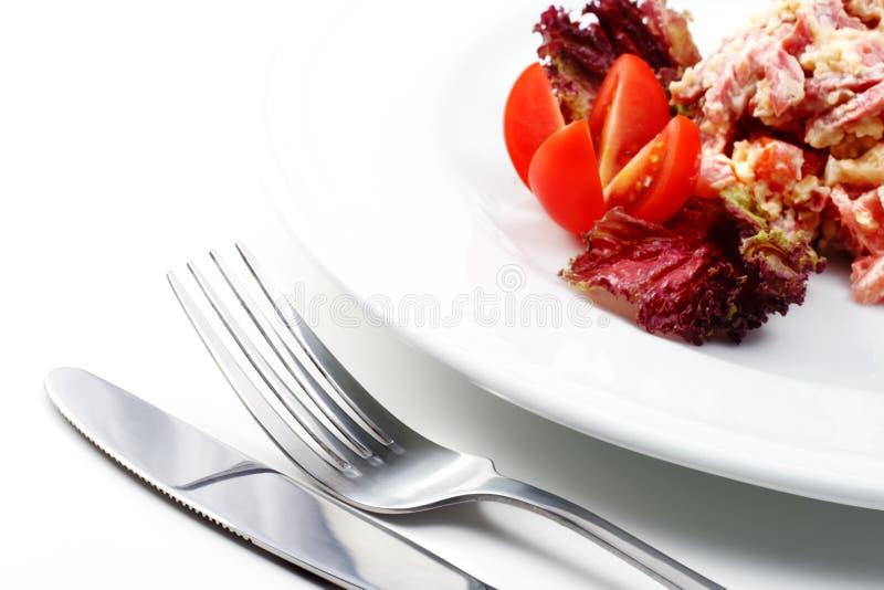 抽烟的食物沙拉 库存图片