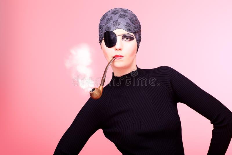 Download 抽烟 库存图片. 图片 包括有 艺术性, 粉红色, 题头, 人员, 户内, 概念, 女性, beautifuler - 22355873