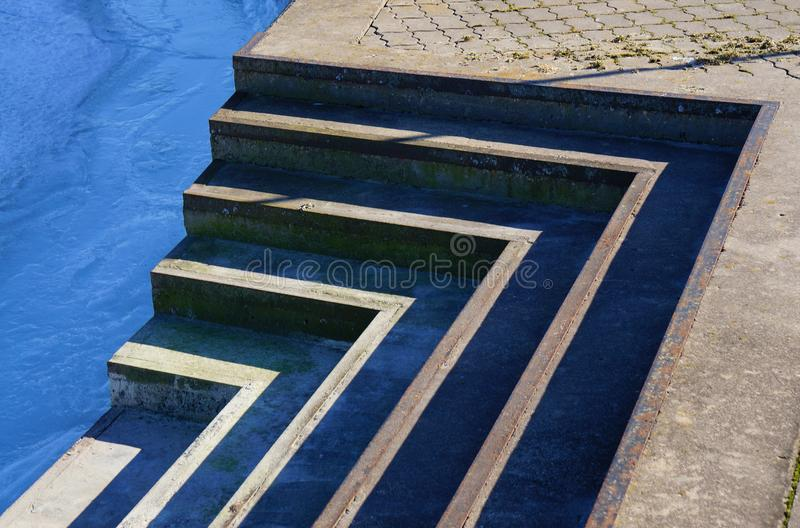 抽象台阶 在sity的台阶在纪念碑 免版税库存图片