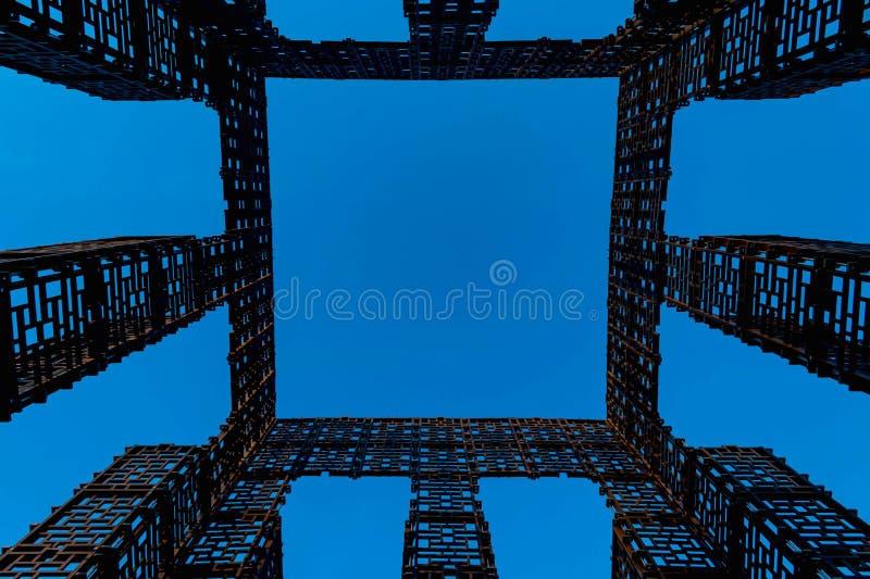 抽象图象,几何形状金属建筑在蓝色背景的 向量例证