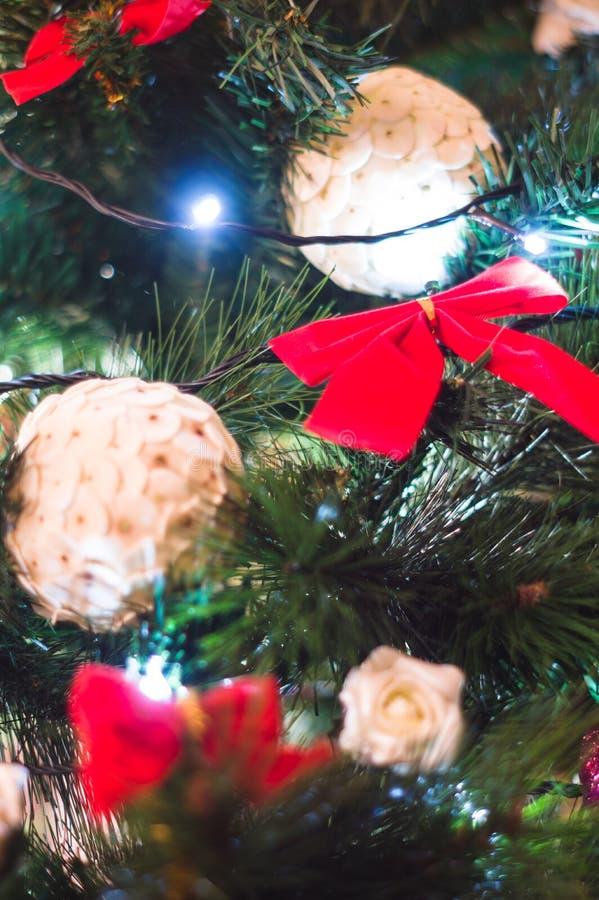 抽象圣诞灯结构树 免版税库存图片