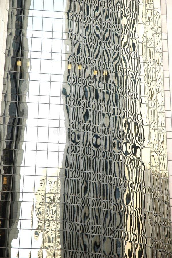 抽象大厦办公室反映 库存图片