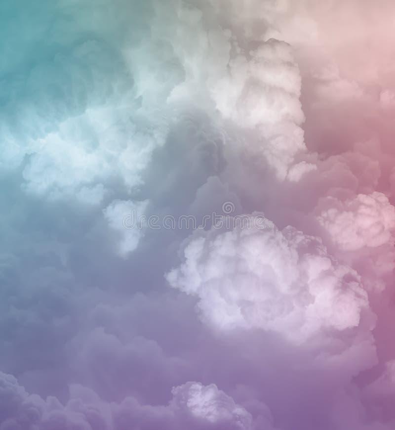 抽象淡色cloudscape背景 库存照片