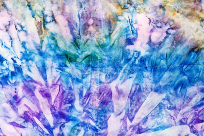 抽象蓝色和紫罗兰上色了被缝的蜡染布 皇族释放例证