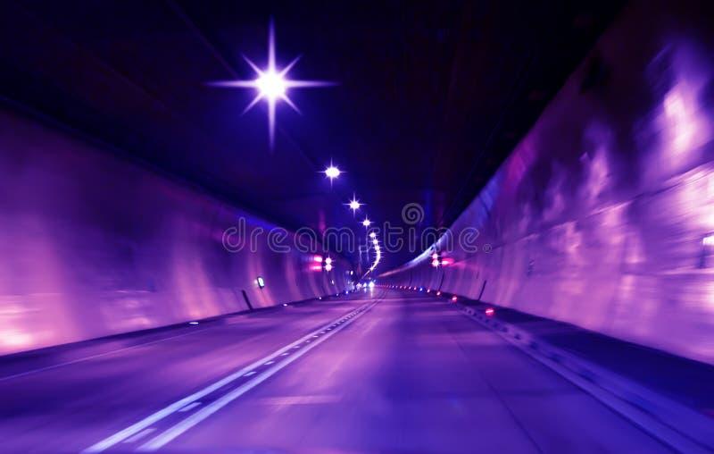 抽象速度行动在隧道背景中 免版税库存照片