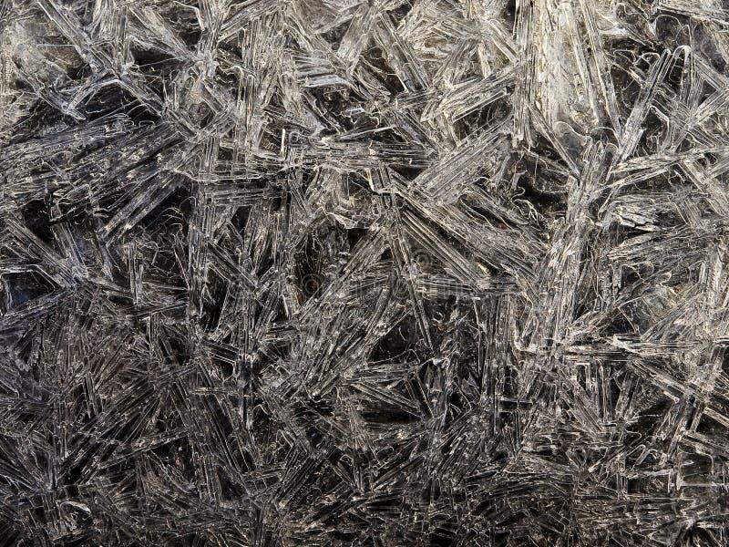 抽象黑色中断的冰白色 免版税库存照片