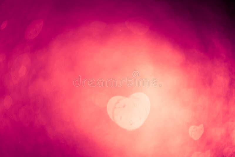 抽象紫色bokeh心脏形状 图库摄影