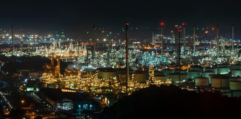 抽象bokeh夜庭院在城市背景中 免版税库存图片