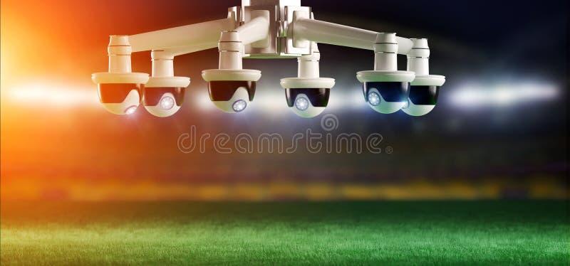 担任仲裁的照相机协助足球比赛概念- 免版税图库摄影