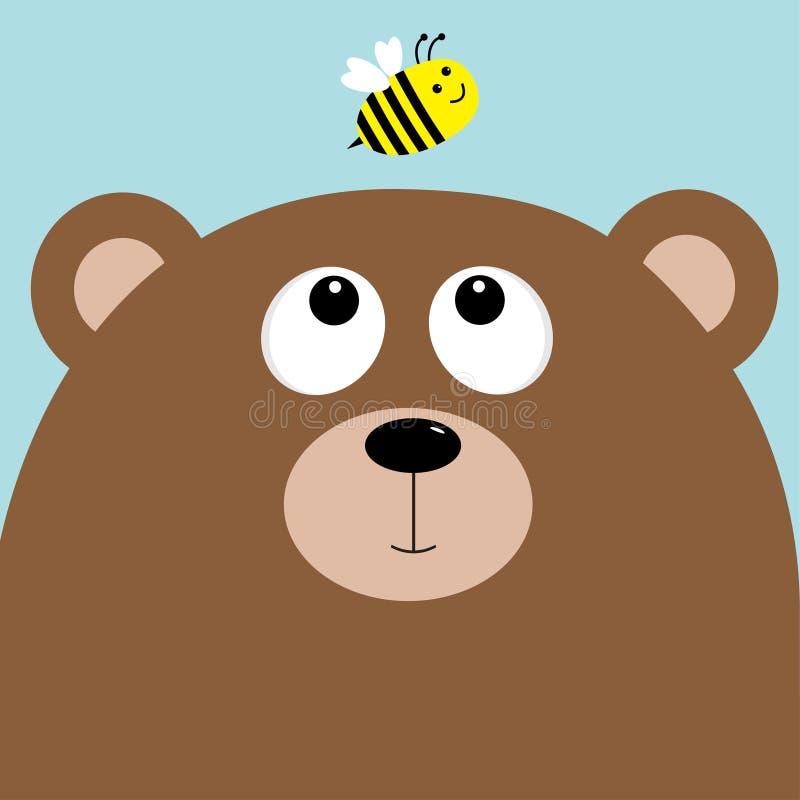 负担看蜂蜜蜂昆虫的北美灰熊大头 逗人喜爱的漫画人物 森林小动物汇集 背景蓝天 皇族释放例证