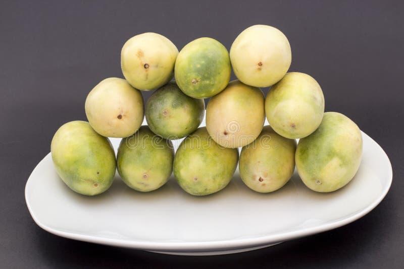 拉丁美洲的果子叫香蕉passionfruit (拉特 西番莲tripartita) (用主要西班牙语tumbo, curuba, taxo 免版税库存照片