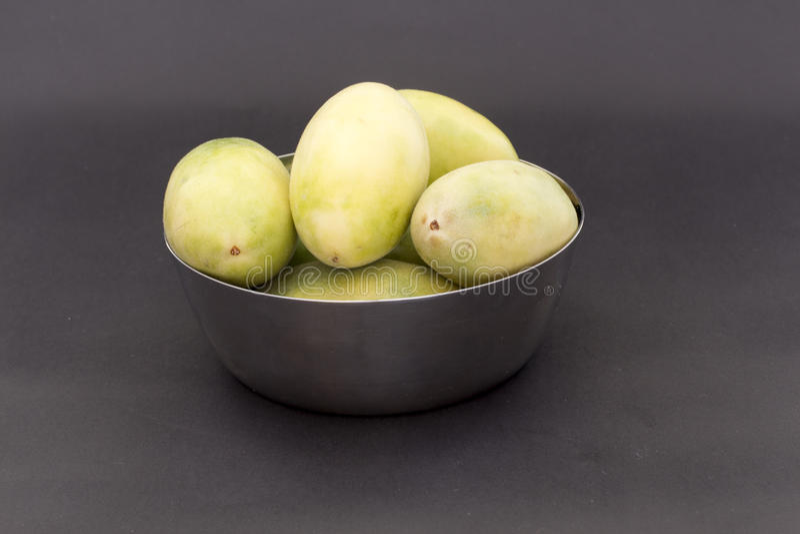 拉丁美洲的果子叫香蕉passionfruit (拉特 西番莲tripartita) (用主要西班牙语tumbo, curuba, taxo 库存图片