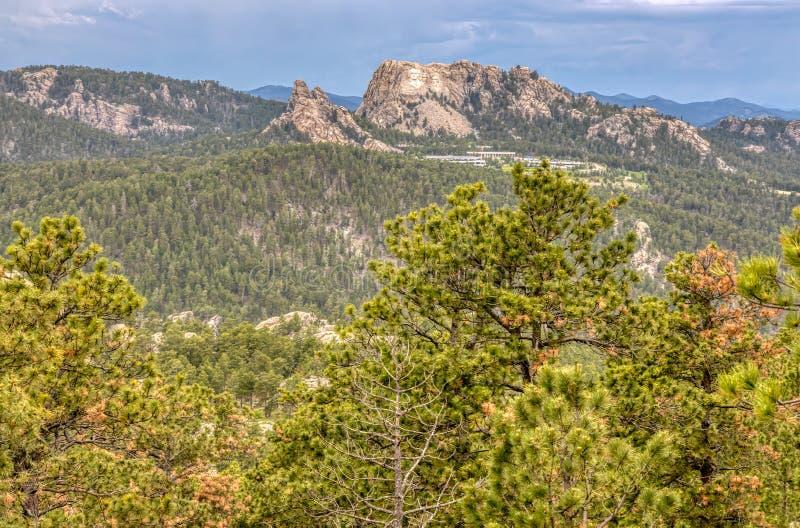 拉什莫尔山全国纪念品看法从Custer国家公园的在南达科他,美国 库存照片
